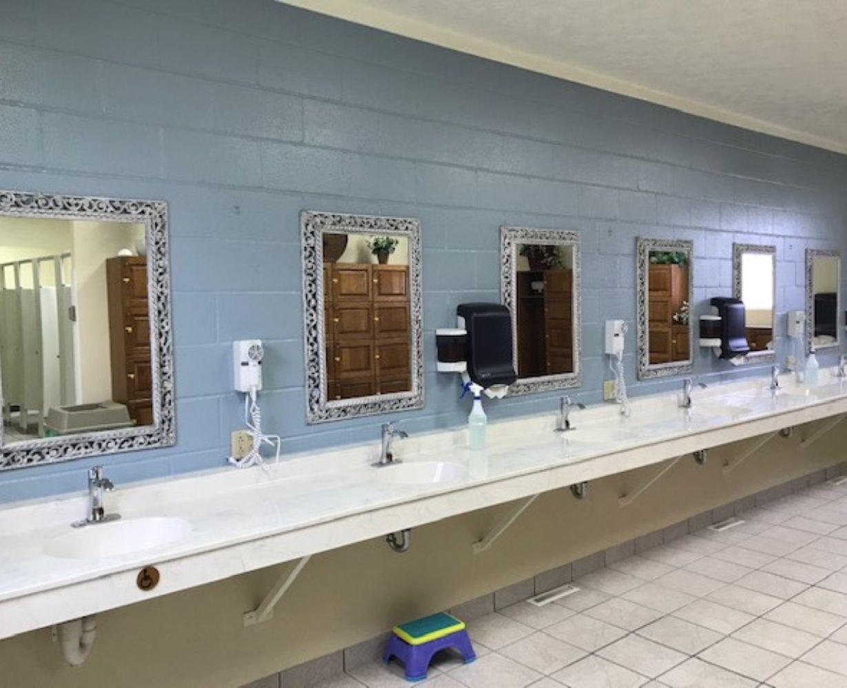 son-rise-marina-sandusky-ohio-gallery-bathrooms
