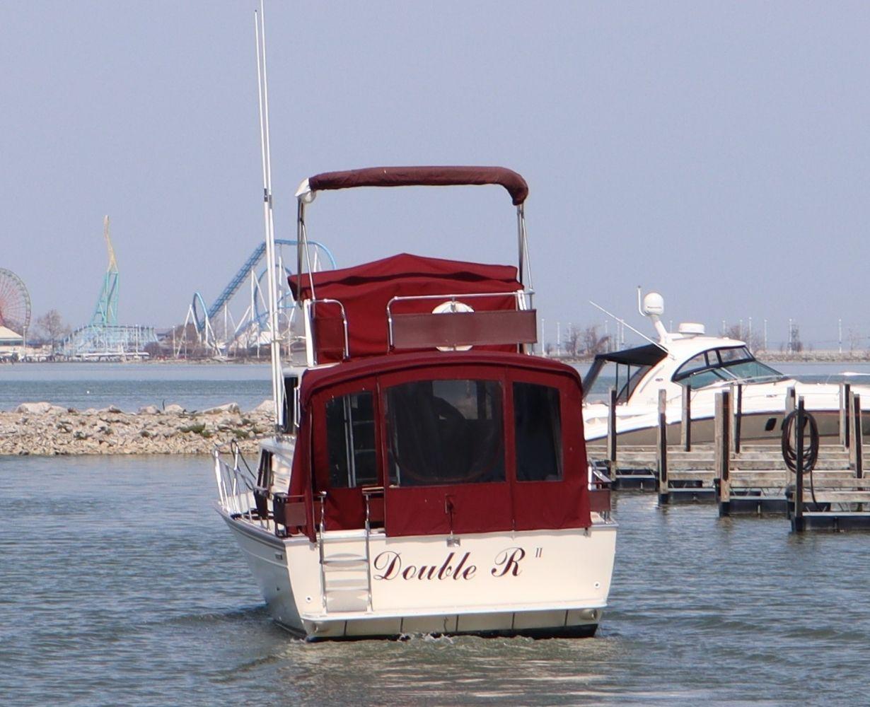 son-rise-marina-sandusky-ohio-gallery-boat-2