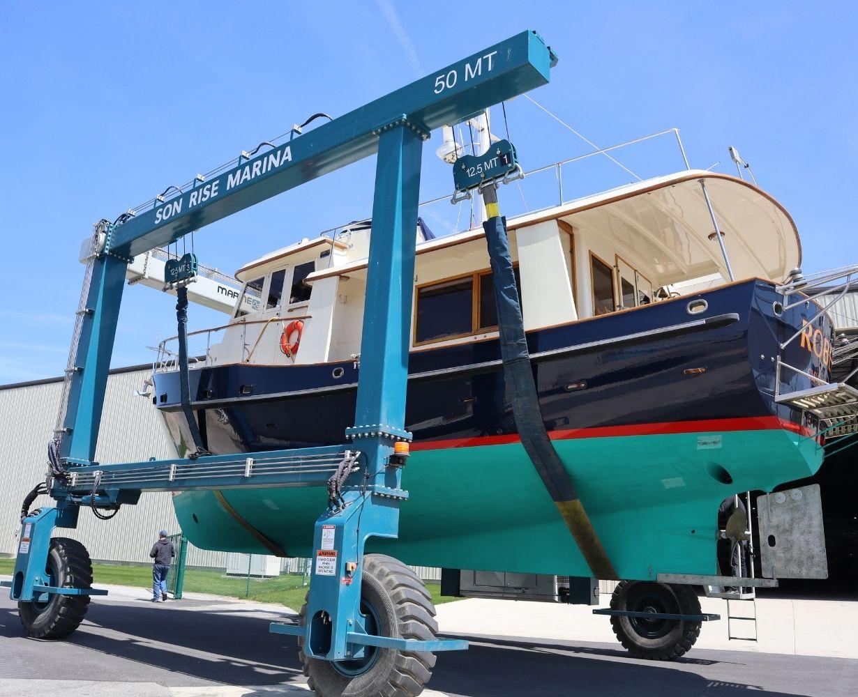 son-rise-marina-sandusky-ohio-gallery-boat-4