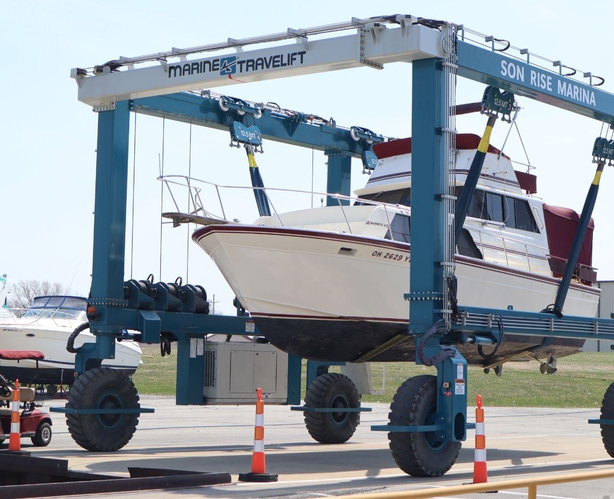 son-rise-marina-sandusky-ohio-gallery-boat