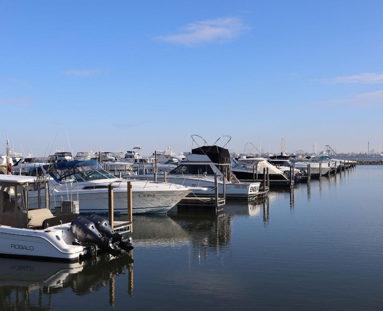 son-rise-marina-sandusky-ohio-gallery-docks-6