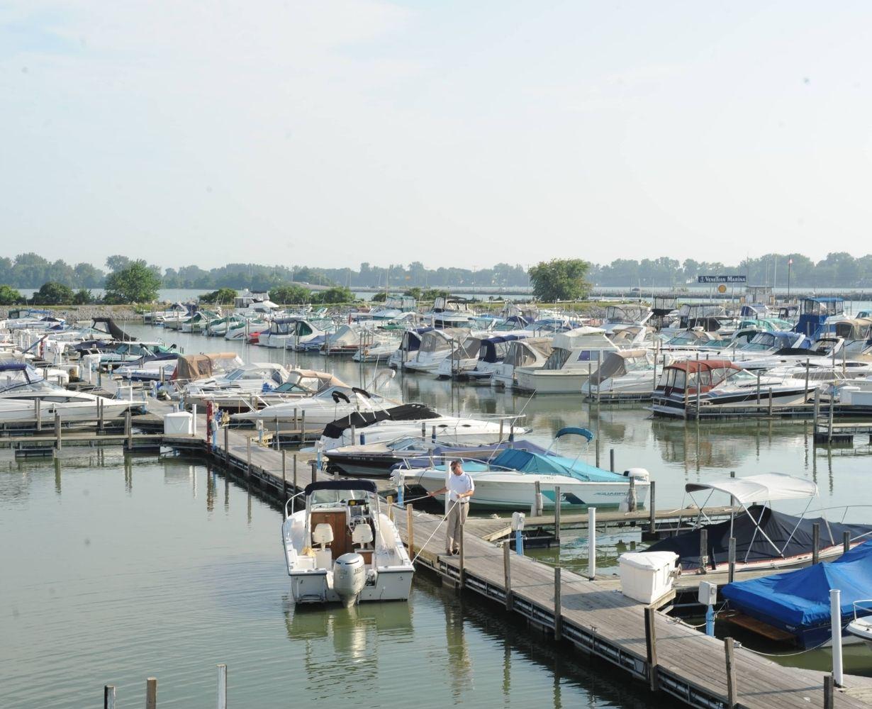 venetian-marina-sandusky-ohio-gallery-docks-1
