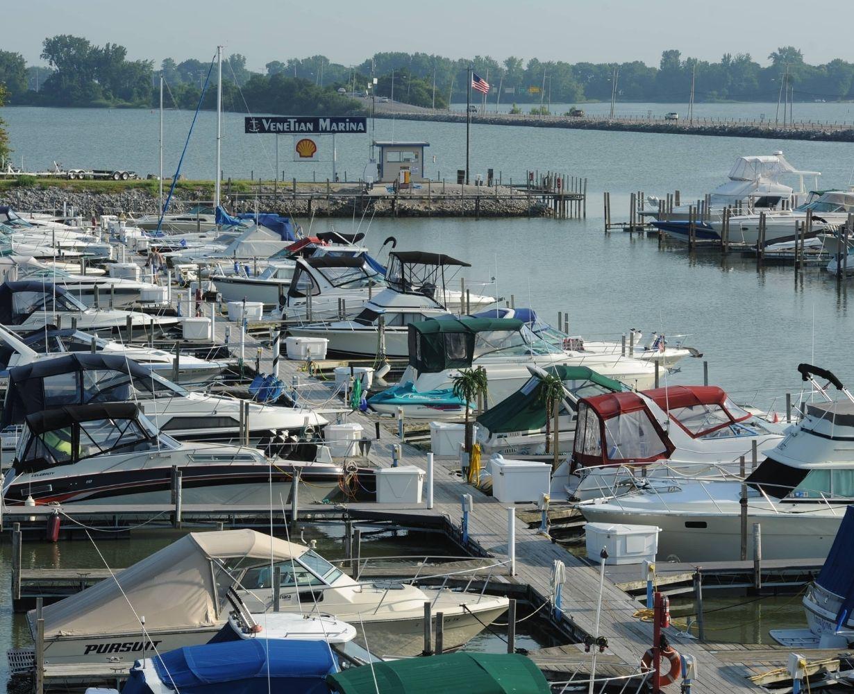 venetian-marina-sandusky-ohio-gallery-docks-11