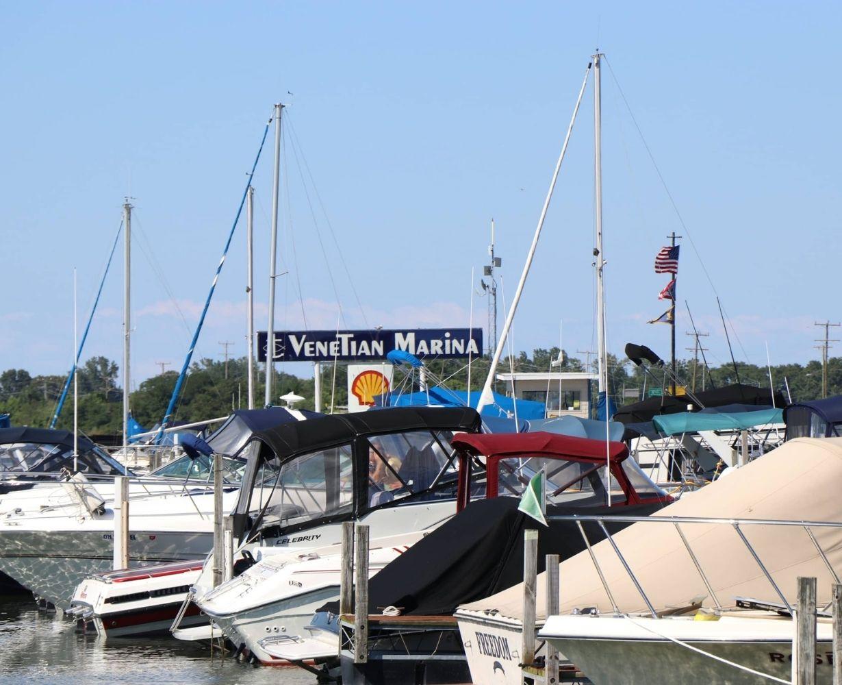 venetian-marina-sandusky-ohio-gallery-docks-12